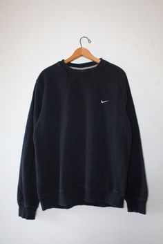 Majority of these Pullover are made to take setup from general to effectively fab in situations. Get inspired pullover outfit half zip Nike Outfits, Sporty Outfits, Trendy Outfits, Legging Outfits, Winter Outfits, Summer Outfits, Sweatshirt Outfit, Black Hoodie Outfit, Crew Neck Sweatshirt