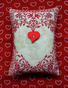 Brilliant Cross Stitch Embroidery Tips Ideas. Mesmerizing Cross Stitch Embroidery Tips Ideas. Cross Stitch Finishing, Cross Stitch Heart, Modern Cross Stitch, Cross Stitch Designs, Cross Stitch Patterns, Embroidery Hearts, Cross Stitch Embroidery, Embroidery Patterns, Halloween Embroidery