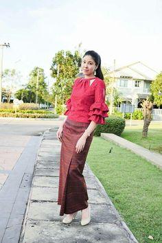 Myanmar Traditional Dress, Thai Traditional Dress, African Fashion Dresses, African Dress, Fashion Outfits, Thailand Fashion, Indian Skirt, Thai Dress, Batik Dress