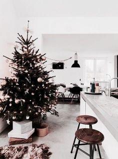 goodbye autumn posts hello christmas/winter posts Home Decor Christmas Time Is Here, Christmas Mood, Merry Christmas, Dark Christmas, Rustic Christmas, Christmas Bedroom, Christmas Decorations, Holiday Decor, Gold Decorations