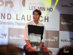 Lee Min Ho Visits KyoChon Restaurant in Manila   Fan Girl Story