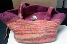 Large felted tote bag. Free Ravelry download.