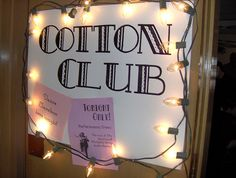 For one night only, our Keyes Meeting Room become the famous Cotton Club, a hotspot where Duke Ellington played with his band. 75th Birthday Parties, 90th Birthday, Birthday Celebration, Gala Themes, Party Themes, Party Ideas, Roaring Twenties Party, Roaring 20s, Harlem Nights