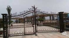 Custom Driveway Gates by JDR Metal Art for Homes Farms Ranches & Estates - Steel Iron & Aluminum Gates - Custom Driveway Gates - JDR Metal Art - Iron Steel & Aluminum - Home Farm Ranch & Estate Aluminum Driveway Gates, Aluminium Gates, Metal Gates, Wrought Iron Gates, Tor Design, Gate Design, Shanghai, Farm Gate, Iron Steel