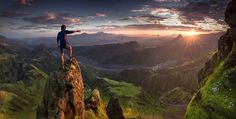 Max Rive Nikon D800e, 14-24mm Exposure: 3 seconds, 14mm, 2 shots (panorama) f16, iso-50, ND-grad + ND