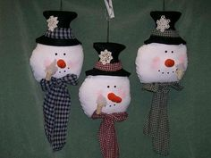 diy country christmas decorations | These cute snowmen are approximately 24 inches long.The scarves are ...