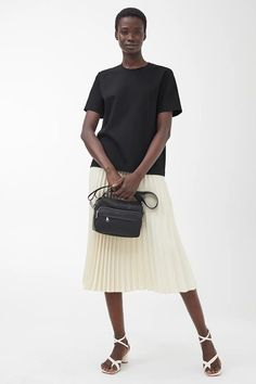 Explore new arrivals from ARKET women's collection, including carefully made wardrobe essentials and key pieces for this season. Designed in Stockholm. Crepe Skirts, Pleated Skirt, Midi Skirt, New Dress, Dress Up, Polo Ralph Lauren, Beige Skirt, Light Beige, White Skirts
