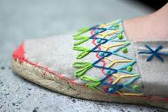 Typical Spanish espadrilles, How to the of June at AH! Bilbao - up-style plain espadrilles Embroidery Stitches, Hand Embroidery, Mexican Embroidery, Knit Art, Embroidery On Clothes, Creative Embroidery, Crochet Shoes, Espadrille Shoes, Beautiful Shoes