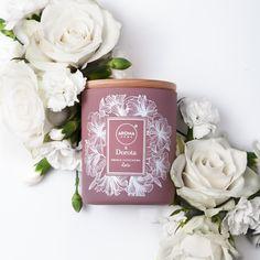 Zapach świeżo ściętych róż ..Pachnie uwodzicielsko .. Każda kobieta uwielbia kwiaty, a już niedługo Walentynki, może warto pomyśleć o różach które można wąchać długo i zawsze wtedy kiedy zapragniemy ?