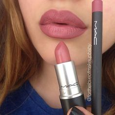 "I never get tiered of this famous combo: #MAC ""Soar"" lipliner #MAC ""Brave"" lipstick"