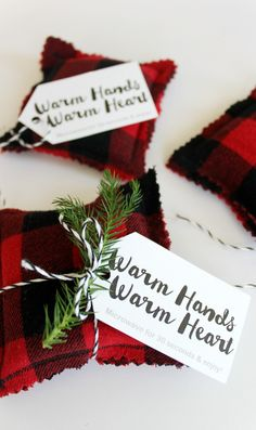 DIY Flannel Hand Warmers + How to Give Back this Holiday with Coca-Cola – Handwerk und Basteln Sewing Hacks, Sewing Tutorials, Sewing Crafts, Sewing Tips, Bag Tutorials, Christmas Sewing, Diy Christmas Gifts, Christmas Ideas, Crochet Christmas