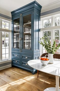 Navy Cabinet A pair of custom cabinets with cremone bolts flank the Breakfast Room window Kitchen Breakfast Nook with Navy Cabinet A pair of custom cabinets with cremone bolts flank the Breakfast Room window Kitchen Interior, Traditional Kitchen Design, Interior, Home, House Interior, Kitchen Renovation Design, Interior Design, Kitchen Renovation, Kitchen Design