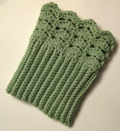 10 Free Crochet Boot Cuff Patterns. I found this pattern on Ravelry just now (1/3/16), except it only has 3 rows of shells, this one has 4 rows. It is, however, free.