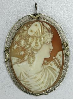 Victorian Shell Cameo Pin Set In 14K Gold