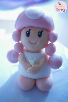 Toadette vor dem traualtar  Mario bros / mario kart Cake topper Mario Kart Cake, Mario Bros, Cake Toppers, Hello Kitty, Character, Lettering