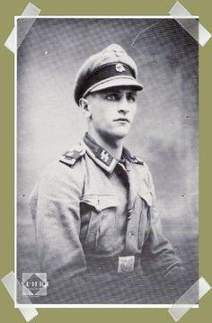 Sous Officier de la Division Charlemagne.