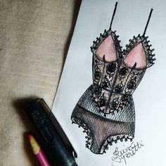 #draw #drawing #fashion #love #inlove #fashionillustration #illustration #lingerie #intimates #instagood  #fashiondesign #designdemoda #moda #art  #arte #croqui #handmade #lookdodia #body #bodysuit #lookoftheday #lace #vintage #fashion4arts