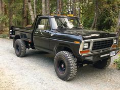 It's a 79 with a non intercooled Cummins. 5 speed tranny and gears. Dana 60 front and a sterling rear. Vintage Chevy Trucks, Classic Ford Trucks, Ford Pickup Trucks, Dually Trucks, Lifted Cars, Lifted Chevy Trucks, Custom Truck Beds, Custom Pickup Trucks, Mini Trucks