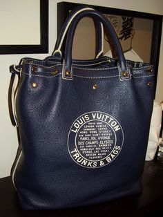 Large Navy Louis Vuitton ~