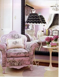 A Feminine with an Edge bedroom decor and color palette.