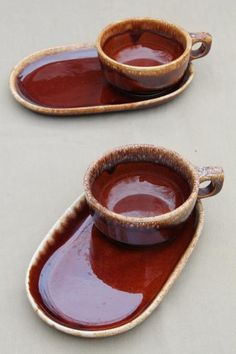 Hull brown drip glaze pottery soup mugs & snack tray plates, soup & sandwich sets