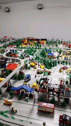 City Layout, Classic Lego, Lego Boards, Lego Trains, Lego Mecha, Lego Minecraft, Lego Design, Art Pics, Cool Lego