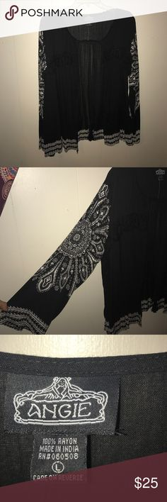 🌺 Boho cartigan 🌺 Great condition! never worn. Size large but fits more like a medium and will even a small (as loose fit) super cute! Beautiful design on sleeves. Colors are black and white. will take reasonable offers 🎍 Angie Sweaters Cardigans