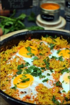 Grilled rice with spices and eggs ~ Happy taste buds - A tasty vegetarian rice with spices – fennel seeds, cumin and turmeric – and eggs … The littl - Healthy Chicken Recipes, Healthy Dinner Recipes, Crockpot Recipes, Vegetarian Recipes, Casserole Recipes, Vegetarian Grilling, Healthy Chicken Dinner, Slow Cooker Chicken, Sandwiches