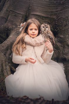 As imagens falam qualquer idioma ou dialeto do planeta. The images speak any language or dialect of the planet. Beautiful Owl, Beautiful Images, Map Of Great Britain, Preety Girls, Woman Drawing, Drawing Women, Raven Art, Owl Pet, Photography Pics