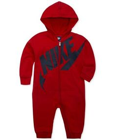 Keep your little athlete-in-training cozy in this Nike Play All Day Hooded Coverall. Featuring a bold logo print and crafted of comfy materials. Zip closure help support easy diaper changes and make for a comfortable fit for your baby. Baby Boy Clothes Hipster, Luxury Baby Clothes, Baby Clothes Shops, Baby Boy Outfits, Kids Outfits, Sporty Look, Trendy Plus Size, French Terry, Boy Or Girl