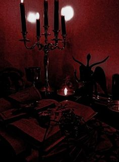 Red Aesthetic Grunge, Gothic Aesthetic, Witch Aesthetic, Character Aesthetic, Aesthetic Photo, Aesthetic Pictures, Walpapper Vintage, Paradis Sombre, Victorian Vampire