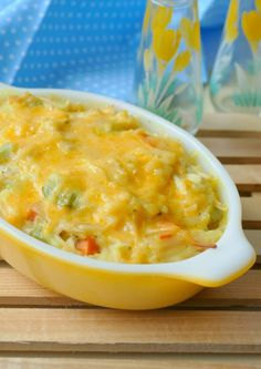 Dinner doesn't get much better than this delicious comfort food casserole! It's packed with carrots, green pepper and onion and uses easy ingredients like leftover rotisserie chicken, r… Hotdish Recipes, Easy Casserole Recipes, Rice Casserole, Recipes Using Rotisserie Chicken, Leftover Rotisserie Chicken, Chicken Recipes, Crack Chicken, Chicken Rice, Chicken Soup