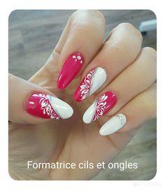 fingernägel design - гвозди - # nails - Chique klaprozen met strass Het is zomertijd Blush Pink Nails, Pink Nail Art, Red Nails, Hair And Nails, Acrylic Nail Designs, Nail Art Designs, Acrylic Nails, Elegant Nail Designs, Beautiful Nail Designs