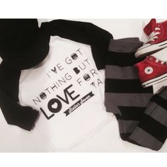 I've got nothing but Love for ya ♥️ Outfit Inspiration with our black raglan | Shop now at www.stellar-seven.com #stellarseven #vday #valentinesday #valentine #ig_kids #instagram_kids #ootd #babyootd #kidsootd #love