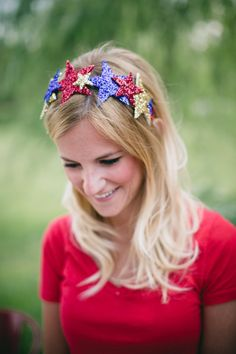 Star of Camp Makery taught The Stylehouse team how to create these easy DIY July Star Crowns! 4th Of July Party, Fourth Of July, Pottery Barn, 4th July Crafts, Diy Hair Accessories, Diy Party, Party Ideas, Event Ideas, Diy Hairstyles