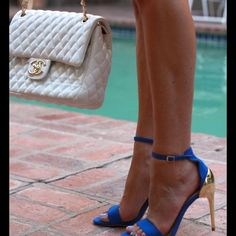 Zara gold heels pumps 👍🏻😍 These are stunning and sexy and comfy!!! Electric blue color for summer. Pair them up with ankle jeans, dresses or skirts. Everything goes with these. I find Zara shoes size 39 too big for me. I usually wear 8.5 and thought they'll be fine. But no. Will fit someone who's 8.5/9. I wore them only twice, Otherwise mint condition. I take great care of all of my shoes, therefore bottoms have been replaced for longer wear. The price is firm unless bundled!!!👍🏻🤗 Zara…