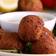 Homemade Falafel 🍘😍 – Famous Last Words Healthy Eating Recipes, Delicious Vegan Recipes, Vegetarian Recipes, Tasty, Yummy Food, Healthy Meals, Healthy Food, Vegan Recipes Videos, Indian Food Recipes
