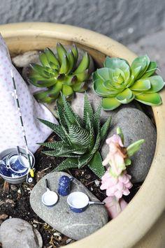 Fairy Garden Ideas: Campsite Garden - Crafts Unleashed