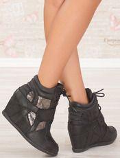 Boty na platformě s ozdobou Andy  - BELLUCCI Milano - černá