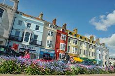 Weymouth esplanade  (Whaaa?  We must be talkin' Weymouth, England, not Weymouth, MA...correct?)