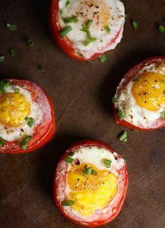 Gebackene Tomaten mit Ei