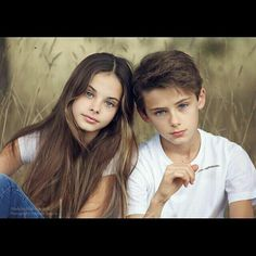 Brother Sister Pictures, Kendall Jenner Body, Teenager Photography, William Franklyn Miller, Beautiful Girl Wallpaper, Anime Boy Hair, Mother Daughter Fashion, Cute Kids Pics, Family Picture Poses