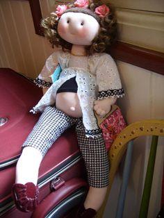 Alice esperando um baby, acabei de faze-la, amei!!!! By Rosangela Trujillo.