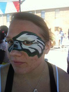 I painted her face;) Philadelphia Eagles face paint idea!