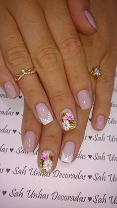 70 Trendy Spring Nail Designs are so perfect for this season Hope they can inspire you and read the article to get the gallery. Gold Nail Art, Rose Gold Nails, Simple Nail Art Designs, Nail Designs Spring, Mint Nails, Vacation Nails, Pretty Nail Art, Simple Nails, Manicure And Pedicure