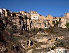¡Mirando a… Cuenca! Mount Rushmore, Barcelona, Tours, Mountains, Mansions, House Styles, Travel, Koh Tao, Sierra
