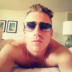 pictures of macklemore | ... Morning Off Right With A 'Shirtless In Bed' Macklemore Selfie (PHOTO