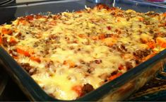 Alt-i-et form med kjøttdeig og potetmos Food N, Good Food, Food And Drink, Norwegian Food, Easy Casserole Recipes, Ground Beef Recipes, Macaroni And Cheese, Cooking Recipes, Lunch