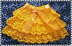Boa noite amigas!!!   Vim mostrar mais uma peça feita com a Linha Rayza , Mais Artesanato, na cor amarelo ouro...  Eu sempre achei linda e...