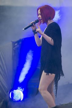 Shirley Manson, Stupid Girl, Alternative Rock Bands, Rock And Roll Bands, Metal Girl, Having A Crush, Role Models, Redheads, Short Hair Styles